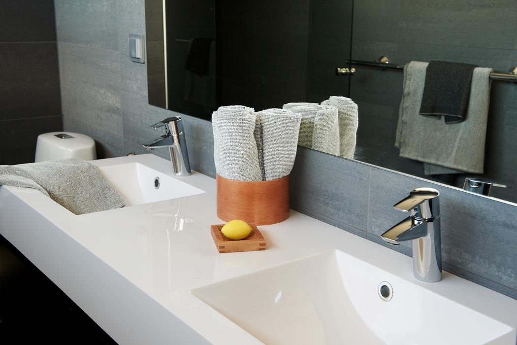 Раковина двойная в ванную комнату украшаем ванную комнату цветами